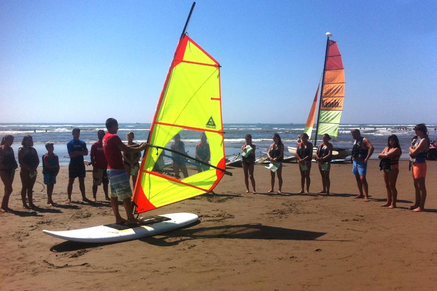 teoria de windsurf en Isla Canela Huelva con Kanela Sailing School