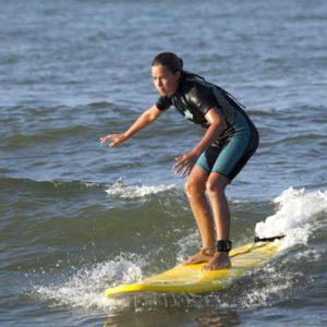 Curso de Surf con olas perfectas en Punta del Moral