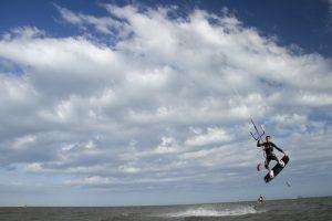 kitesurf en islaCanela Huelva con viento de poniente